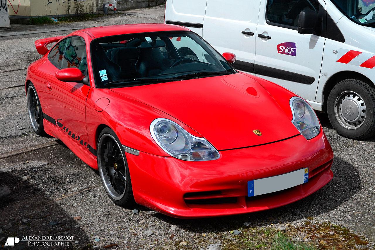 01 Porsche 911 996