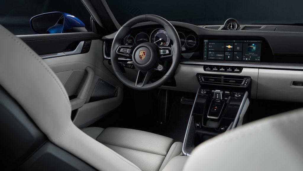 02 Porsche 911 992