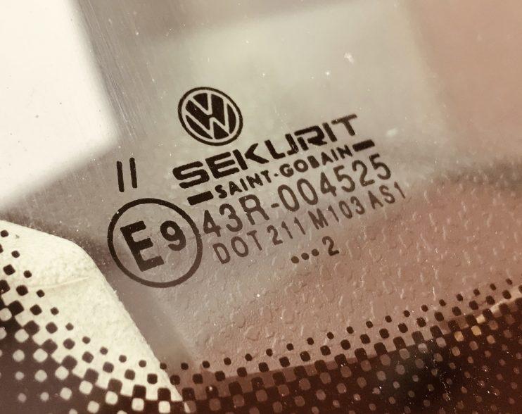 Šta znače oznake na auto staklima?